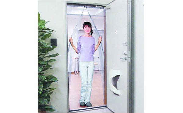 http://マグネットでキレイに閉まるドア用アミ戸%20外開き専用