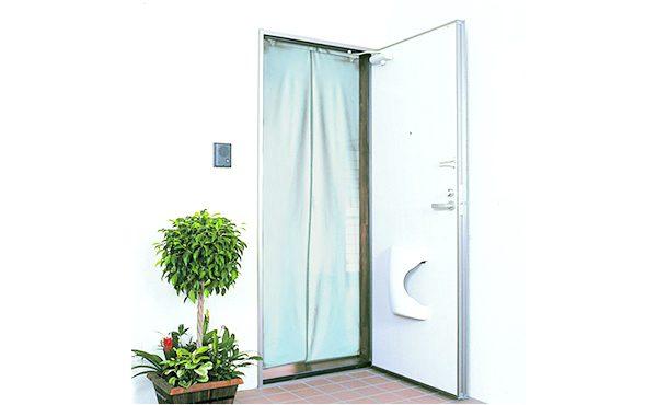 http://NEWワンタッチテープ式ドア用アミ戸%20遮光・遮熱メッシュシルバー