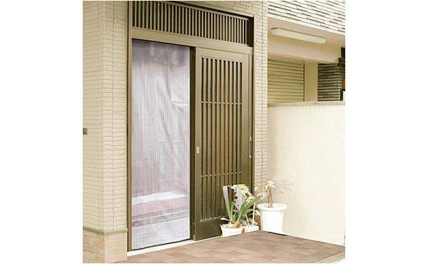 http://カーテンレールのように開閉スイスイ レール式ドア用アミ戸